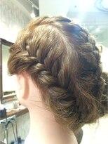 クロムヘアー(CHROME HAIR)編み込みアップ