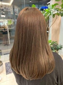 ビーエリアプレミアータ(BE AREA PREMIATA)の写真/カラーが人気な今だからこそ、繰り返したカラーなどで傷んだ髪をトリートメントでつやのある美しい髪へ♪