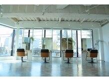 エミヲ 西新店(emiwo)の雰囲気(自然光がたっぷりと入り込む気持ちの良い空間☆【2F】【西新】)