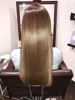 ヘアーアンドメイク ジズー(hair&make zizou)の写真/【話題の水素トリートメントが自慢のサロン◎】驚きの艶感と指通りに感動!憧れの美髪体験を始めませんか?