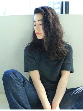 ナヌーク シブヤ(nanuk shibuya)【nanuk】地毛っぽい黒髪◇光にあたると透け感が◇春夏カラー