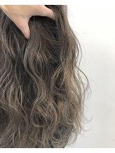 【Q.4】ブリーチってなんですか?髪は痛みませんか??