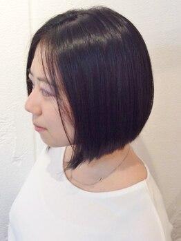 デニヘアー(DENi hair)の写真/海外で磨いたカット技術で、輪郭・髪質に合ったスタイルを実現。全体のフォルムを考えたデザインをご提案!