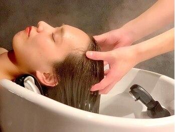 ビューティーコネクション ギンザ ヘアーサロン(Beauty Connection Ginza Hair salon)の写真/最先端のヘッドスパで、大人のための頭皮改善◎極上の美容空間で、身も心も安らぐ、癒しのひと時を―