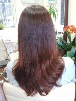 美容室 ペルル(Perle)の写真/《大人女性のヘアケア専門店》髪と頭皮に負担をかけずに染めるので、ケアを重視する30~40代女性から支持◎
