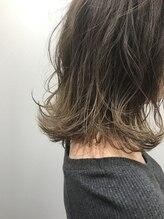 エレム 梅田(elem.)【elem.】切りっぱなし束感ボブ×グレージュグラデーション