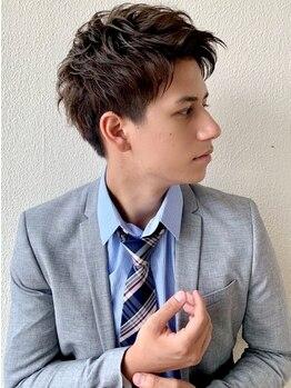 ビューティーコネクション ギンザ ヘアーサロン(Beauty Connection Ginza Hair salon)の写真/毎日忙しいビジネスマンも、お仕事帰りに気軽に通える!頭皮ケアメニューも豊富にご用意◎