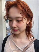 シャルムバイケンジ(Charm.by KENJE)ブリーチ オレンジベージュ ニュアンスパーマ くせ毛を生かす