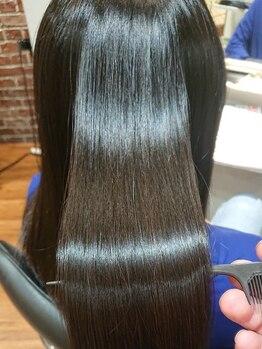 クローバー 新横浜店(CLOVER)の写真/【酸熱トリートメント+カット+カラー¥15790】最新式の髪質改善TRケミストリーで髪を芯から強くします!