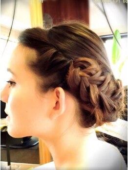 サフリック ヘアアンドビューティー スパ(safric hair&beauty spa)の写真/【年中無休/パーティーヘアアレンジ¥3240~】結婚式はもちろん、とっておきの日やちょっとした女子会にも◎