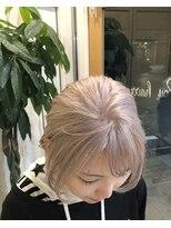 ロイ ヘアルーム 草加店(Roy hairroom)☆ブリーチパールベージュ☆