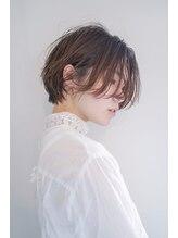 ツナグ(tsunagu)今っぽいショートなら、前髪長めのユニセックスヘア