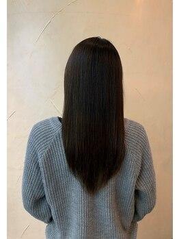 ガーデニア(Gardenia)の写真/傷みやすい髪質の方へTOKIOハイパーでしっかりケアしてかける縮毛矯正はとても滑らか◎当店へお任せを!