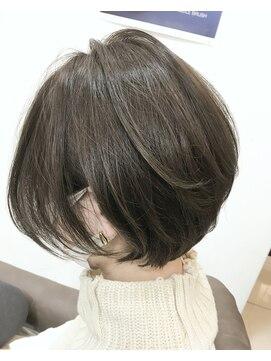 ベイジヘアークチュール(BEIGE hair couture)耳掛けひし形シルエットショートボブ