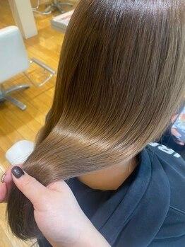 """ファム 立町店(femme)の写真/《オージュアソムリエ在籍》ダメージに合わせた""""あなただけの髪質改善""""。モチが良く大人気!"""