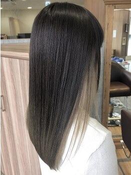 ファースト 郡山店(first)の写真/[デザイン性のある縮毛矯正★] 前髪や毛先などのアレンジで最新トレンドを掛け合わせるこなれスタイルに。