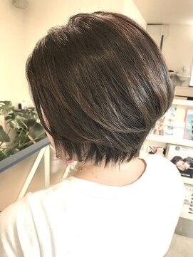 ヘアアンドメイクフリッシュ(HAIR&MAKE FRISCH)ショートボブ