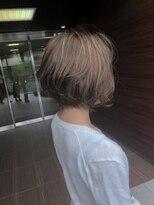 ヘアメイク シュシュ(Hair make chou chou)ショートボブ×ハイライトグレージュ【chou-chou 北林夏実】