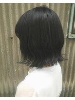 オリ(oli)外国人風カラー 暗髪ブルーブラック 切りっぱなしボブ