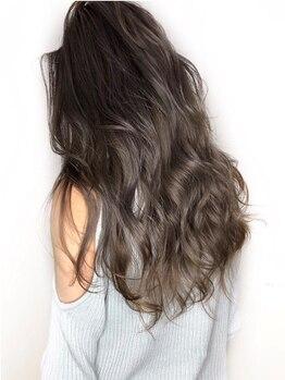 クレアール バイ スリーエレファント 草津店(CREAR by Three Elephant)の写真/流行の3Dカラーやハイライトは【CREAR】にお任せ!髪に透明感をプラスして振り返られるような美髪に♪