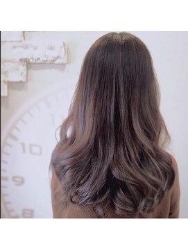 シェルターヘアールーム(SHELTER hair room)外国人風グレーベージュ
