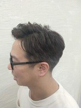 ポンヘアー(PON hair)ラフな七三×ツーブロック×アップバング