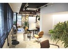 ウミカ(umica)の雰囲気(バリアフリーの店内は、ベビーカー・車いすでの来店も可能です。)