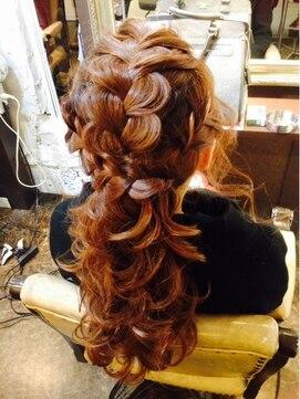 結婚式の髪型 ざっくりあみこみハーフアップ♪