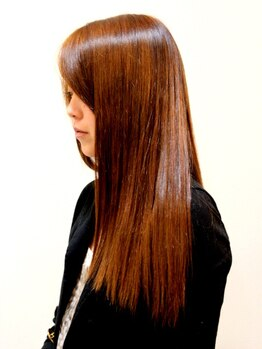 ユアン ヘアー(yu.an HAIR)の写真/【茨木駅4分】きしみ,退色などを改善!視線を惹きつける,感動的な艶髪へ…[カット+プレミアムオイルTr¥7700]
