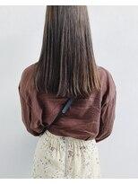ミシン糸状のハイライトと後ろ髪