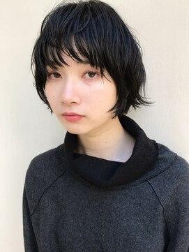黒髪×無造作カールで遊ぶ丸みショート:L026347077|テテ ニコ