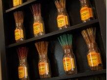ヘアーワークス バレル(HAIR WORKS Barrel)の雰囲気(お香をきれいにディスプレイ。オシャレは香りから。)