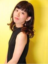 ハンズエミュ(HANDS emu)ワイドバングがかわいい小顔セミロング*グラデーションカラー