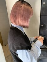 ヘアー アイス ルーチェ(HAIR ICI LUCE)担当西田 ピンクベージュ 切りっぱなしボブ ブリーチ