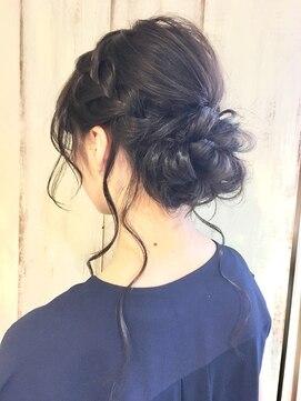 絶壁をカバーするお勧めのヘアアレンジ3選 ヘアスタイル