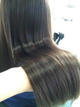 エムアンドスマート 千葉店(M&SMART)の写真/M&SMARTの縮毛矯正でシルクのようなストレートに!クセや髪質に合わせたオートクチュールの施術が自慢◎