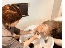 ウォーム(warm)の雰囲気(髪そのものと頭皮を活性化させます。)