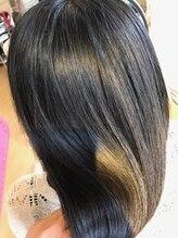 髪へのダメージ最大50%カット!/91%天然成分カラー…『みずみずしい』艶が魅力の究極ダメージレスカラー。