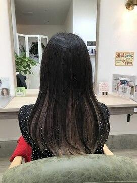 クーラペ(Cura Per hair garden)ワンレンロングインナーピンク