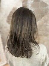 マギーヘア(magiy hair)#otonaレイヤー ニュアンスミディ×ラベンダーベージュ/meyou