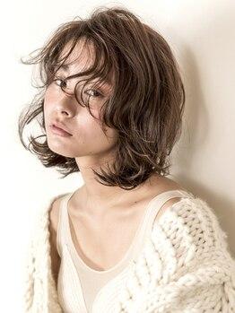 アメリ(amelie)の写真/【グランフロントすぐ】コテ巻きのような仕上がりの再現性◎パーマがかかりにくい人も髪質に合わせてご提案