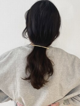 ロティバイトレンチ(loti by trench)の写真/《Aujua取扱い》表面だけでなく内側からしっかりケア。ダメージを補修することで健康的で艶のある髪に!