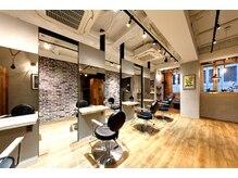 ラフィス ヘアー 京橋店(La fith hair)の雰囲気(広々な空間でゆったり過ごせます♪)