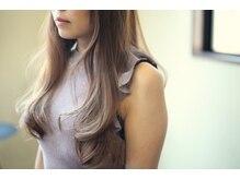 ルッソ(LUSSO)の雰囲気(毛先に厚みがあるロングスタイルも色合いで柔らかく。)