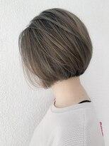 スワッグ(SWAG)ハンサムフェザーボブ×コントラストハイライトヘア