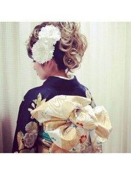 振袖髪型(成人式&結婚式) ローエン ビューティーサロン Roen Beauty Salonヘアセット&振袖着付け