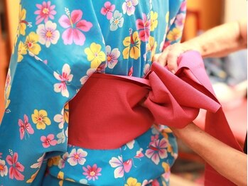 カリス サロン ド コアフュール(Charis)の写真/ネット予約OK☆知識・経験ともに豊富なスタッフが丁寧に着付け♪浴衣はもちろん、成人式や卒業式にも是非☆