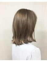 エッセンシャルヘアケア アンド ビューティー(Essential haircare & beauty)ライトグレージュ