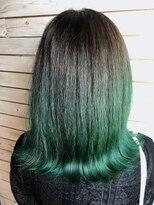 デコヘアー キートス(DECO HAIR kiitos)グリーンのグラデーションカラー