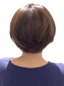 ヘアー アビアント(Hair Abientot)の写真/【東三国徒歩2分】ダメージを抑えた持ちが良いグレイカラーで綺麗が続く![気になる根本カラー+カット¥8540]